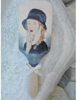 Βούρτσα μαλλιών με ζωγραφιά ''γυναίκα με καπέλο''